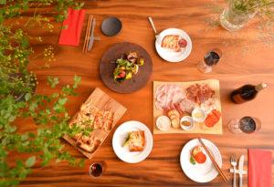 Bistro Ferme Dinner Settings